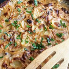 Babos rakott krumpli | Vegán Blog Tofu, Bacon, Chicken, Ethnic Recipes, Pork Belly, Buffalo Chicken, Rooster
