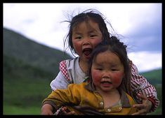These 2 little girls (in northern Mongolia, a few dozen kilometers from the Russian border) belong to the Tsataan ethnic group. Sometimes called Raindeer people because they rear raindeers and ride them to move in these extremely remote regions, with mountains where even horse can not go.
