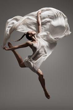 Misfit Shine by Denis Olenik, via Behance Accrocher les nuages. Worship Dance, Praise Dance, Praise And Worship, All About Dance, Just Dance, Dance Art, Ballet Dance, Ballet Poses, Pole Dance