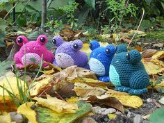 """Kero the Frog pattern by Rianne de Kok - Free Amigurumi Pattern - PDF File - Click """" download"""" or """"free Ravelry download"""" here: http://www.ravelry.com/patterns/library/kero-the-frog"""