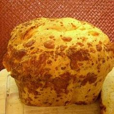 Garlic Bread in a Bread Maker 1.5 lb Loaf Recipe: •3 cups bread flour •2 teaspoons active dry yeast •1 cup warm water •1 tablespoon butter •1 tablespoon powdered milk •1 tablespoon sugar •1 ½ teaspoons salt •2 teaspoons garlic powder or 3 teaspoons minced garlic