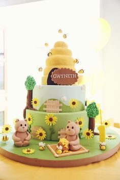 Amazing cake at a Bumble Bee party! See more party ideas at CatchMyParty.com! #partyideas #bee