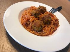 Spaghetti, Ethnic Recipes, Food, Meal, Essen, Hoods, Meals, Eten