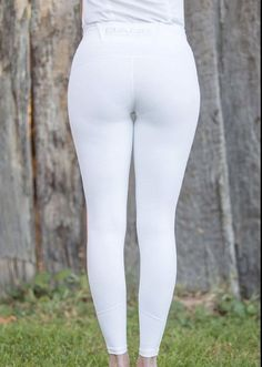 Leggings Mode, Leggings Fashion, Tights Outfit, Leggings Are Not Pants, Yoga Pants Outfit, Sexy Jeans, Sexy Older Women, Sexy Women, Sexy Golf