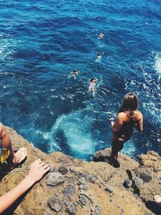 i don't know why, but tumblr girls love taking photos on the beach ☀️ // PINTEREST: @mari6274