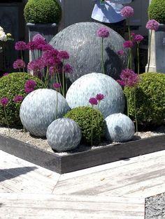 Awesome 24 Beautiful DIY Garden Ball Ideas https://coachdecor.com/24-beautiful-diy-garden-ball-ideas/ Eggs, Breakfast, Hacks, Gardening Tips, Food, Eten, Glitch, Hoods, Meals