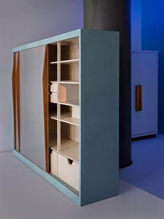 le corbusier le corbusier paris apartment photographed by j r me galland architecture. Black Bedroom Furniture Sets. Home Design Ideas