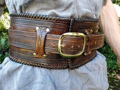 Your place to buy and sell all things handmade - Nordic Kidney Belt - Leather Armor, Leather Belts, Tan Leather, Leather Suspenders, Leather Holster, Leather Harness, War Belt, Diy Jewelry Unique, Armadura Medieval