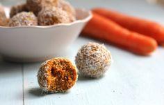 Trufas crudiveganas de zanahoria y coco.