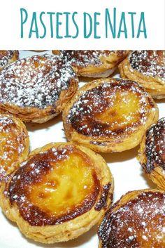 In Portugal gibt es die köstlichen Pastéis de Nata. Ich habe ein paar der Blätterteigtörtchen mit Vanillepudding gebacken und teile das Rezept mit euch.