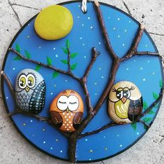 Beautiful & Unique Rock Painting Ideas , Let's Make Your Own Creativity Painted rocks have become one of the most addictive crafts for kids and adults Pebble Painting, Pebble Art, Stone Painting, Painting On Wood, Owl Crafts, Diy And Crafts, Crafts For Kids, Arts And Crafts, Owl Rocks