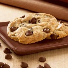 Chewy done right with Hershey's Kitchens. This CHIPITS Chewy Milk Chocolate Cookies Recipe will satisfy all your chocolate cravings. Milk Chocolate Cookie Recipe, Hershey Cookie Recipe, Perfect Chocolate Chip Cookies, Semi Sweet Chocolate Chips, White Chocolate, Chocolate Heaven, Chips Au Four, Popular Cookie Recipe, 16 Bars