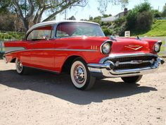 1957 Chevrolet Bel Air Pictures: See 398 pics for 1957 Chevrolet Bel Air. Browse interior and exterior photos for 1957 Chevrolet Bel Air. General Motors, Retro Cars, Vintage Cars, Antique Cars, 1957 Chevy Bel Air, Chevrolet Bel Air, Chevrolet Corvette, Volkswagen, Antiques