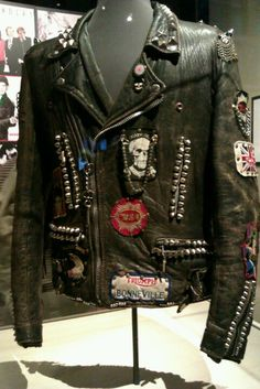 Vintage leather jacket worn by Michael Jackson <3