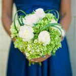 bukiet ślubny: hortensja, róża, trawa Xerophyllum