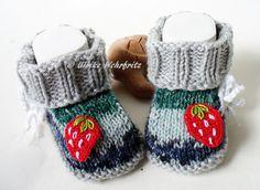 Babyschuhe+Erdbeere+von+strickliene+babyschuhe+auf+DaWanda.com