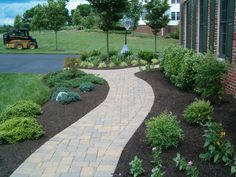 Pretty Front Sidewalk Landscaping Ideas For Landscape Path Lighting Front Walkway Landscaping, Sidewalk Landscaping, Front Yard Walkway, Courtyard Landscaping, Residential Landscaping, Paver Walkway, Backyard Landscaping, Walkways, Landscaping Ideas