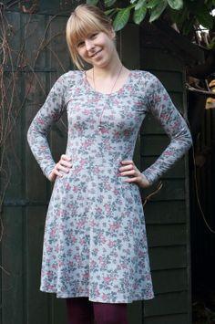 Ela Sews And Doesn't Sleep: Floral Lady Skater Dress