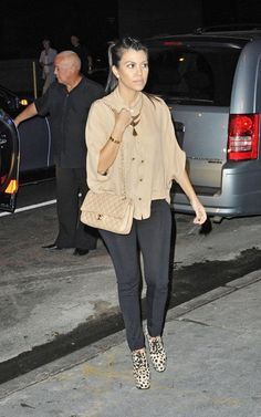Kourtney Kardashian Arriving at Bowlmor Lanes in New York September 28 2011