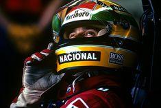 Émouvante photo en vente à la galerie Jean-Denis Walter à Paris : la légende de la #formule1 Ayrton Senna au Grand-Prix du Japon de 1989, immortalisé par le photographe Paul-Henri Cahier. #achetezdelart #art #Ayrton #AyrtonSenna #AyrtonSennaSempre #F1 #f1jp #Ferrari #Formula1 #galerie #gallery #helmet #imola #legend #McLaren #paris #photo #portrait #Prost #racing #rememberSenna #SennaSempre #sports #sportsart