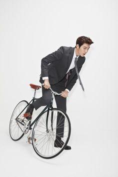 Kim Woo Bin Is a Hot Scientist for Sieg's Spring/Summer Line Korean Star, Korean Men, Korean Actors, Kim Wo Bin, Won Bin, Sung Joon, Bae Suzy, Lee Jong Suk, Actor