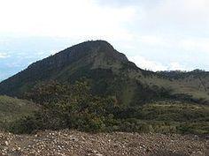 Misteri dan Keangkeran Gunung Lawu, Cahaya Oktagon Terdeteksi NASA   smaga.com