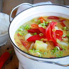 Bali kyllinggryte er den nest mest solgte gryteretten til Toro i fjor. Slik lager du en hjemmelaget variant av den folkekjære kyllinggryten! Different Types Of Beer, Honey Wine, American Beer, Old Recipes, Refreshing Drinks, Fruits And Vegetables, Stew, Bali, Food And Drink