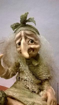 """Купить Кукла """"ЯГУША на пеньке"""" - хаки, сказка, подарок, единственный экземпляр, коллекция, баба-яга"""