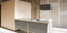 De Qbi is een slimme box met een wc, douche, toilet en een apart kookeiland. Hij wordt gebruikt in een project van de Stichting Trudo in Eindhoven, waarbij 2 bestaande gebouwen werden getransformeerd in lofts voor verhuur. De ontwerpen van de lofts zijn van de architectenbureaus DiederenDirrix  en Jo Coenen.