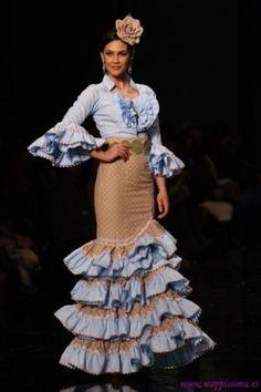 78a186fa4148aeba4042437012332b15--flamenco-party-flamenco-costume Flamenco Party, Flamenco Costume, Flamenco Dresses, Mexican Fashion, Spanish Fashion, Spanish Dress, Spanish Style, Fashion Figures, Special Dresses
