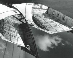 Reflets 1992 2015 13 mai - 13 septembre 2015    Cet été nous exposons notre collection qui réflète un parcours de 23 ans d'art contemporain sur les bords de Loire.     BARAN - CASPARI - CHAUVEAU - CHEVALIER - CORTOT - ERRO - GRAU GARRIGA - GOURET - HONEGGER - JOUANNE -JENKINS KLASEN - KNAPP - KNIFER - LAMOTTE - LEMERCIER - MOLNAR - RENONCIAT - TOLILA - TORONI - VILLEGLE - VISSER    Photo Peter Knapp, 1999 détail de la verrière du Centre d'Art Contemporain Bouvet Ladubay