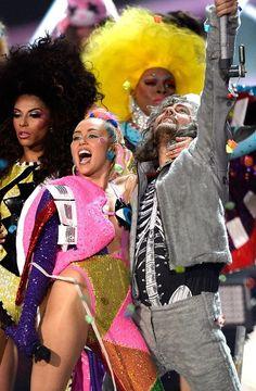 Inside the Making of Dead Petz The Sexy Singer Miley Cyrus Surprise Album, VMAS 2015,VMAS,Nicki Minaj, VMA,VMA 2015,Miley Cyrus,Miley Cyrus VMA 2015,VMA Updates