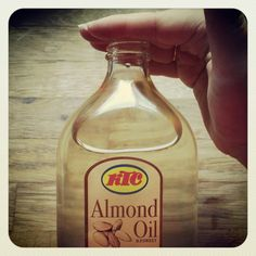 Use almond oil as face moisturer,  shaving oil, or body oil! Plastic-free and chemicals free! Works amazing! #plasticfreetuesday.com