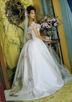 BRIDE CHIC: THE BEST OF THE 1990s: AMERICAN DESIGNERS