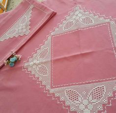 Craft Storage, Filet Crochet, Table Runners, Diy And Crafts, Blog, Wallet, Dish Towels, Doilies, Embroidered Lace