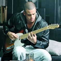 Mark Salling puh-lease sing to me! Glee Puck, Noah Puckerman, Still Love You, My Love, Mark Salling, Josh Turner, Riverdale Characters, Sing To Me, Look At You