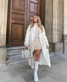 White Outfits, Classy Outfits, Stylish Outfits, Winter Fashion Outfits, Spring Outfits, Autumn Fashion, Spring Fashion, Look Blazer, Elegantes Outfit