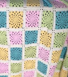 Granny-Wheel Square Blanket by Crochet Missy