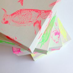 Fluor Boxes with Birds, Snails and more by Frohstoff