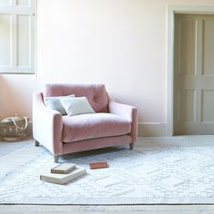 This inspired rug is a bit like a blank sheet of paper that's been shaded with a pencil. The neutral tones get along famously with almost anything, so we reckon it's a good bet. Pleated Curtains, Curtains With Blinds, Curtain Accessories, Comfy Sofa, Pencil Pleat, Guest Bed, Roman Blinds, Neutral Tones, Linen Bedding