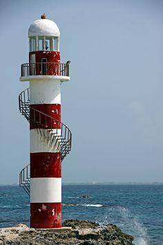 Lighthouse by Stephanie Cavanaugh, via 500px ============================= profgasparetto / eagasparetto / Dom Gaspar I ================================== www.profgasparetto21.wordpress.com ================================== https://independent.academia.edu/profeagasparetto