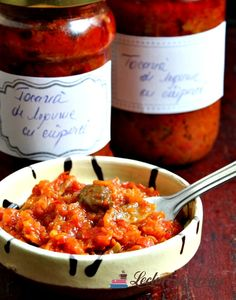 Tocana legume cu ciuperci (pentru iarna) Canning Recipes, Preserves, Pickles, Curry, Food And Drink, Pizza, Homemade, Chicken, Cooking