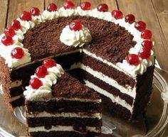 TORT Z KREMEM CZEKOLADOWYM I WIŚNIAMI - przepisy z myTaste Kahlua Cake, Fruit Cake Design, Coffee Latte Art, Mickey Mouse Cake, Gourmet Cupcakes, Buttercream Cake, Coco, Chocolate Cake, Like4like