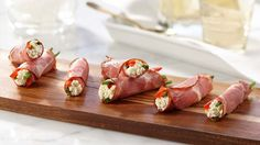 For a simple aperitif, but oh so delicious, cook this recipe of Boursin capicollo rolls Best Appetizers, Appetizer Recipes, Easy Dinner Recipes, Great Recipes, Dried Dates, Finger Foods, Entrees, Rolls, Food And Drink