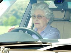 60 THINGS YOU DIDN'T KNOW ABOUT THE QUEEN: For example: The Queen is the only person in Britain who can drive without a licence or a registration number on her car / photo: © Fiona Hanson, PA
