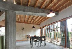 houten plafond op betonnen draag structuur