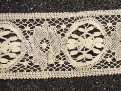"antique HANDMADE BOBBIN LACE 9yds x4.25"" TEA COLOR trim FLORAL 