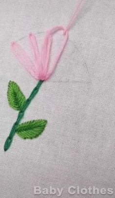 Hand Embroidery Patterns Flowers, Basic Embroidery Stitches, Hand Embroidery Videos, Embroidery Stitches Tutorial, Creative Embroidery, Simple Embroidery, Hand Embroidery Designs, Crewel Embroidery, Ribbon Flower