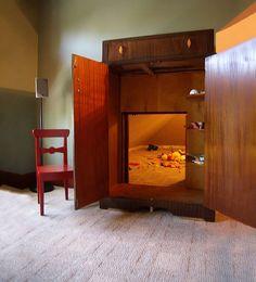 ev dizayninda gizli odalar guvenlik oyun ve calisma odalari gizli banyo lar (4)