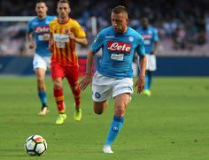Emanuele Giaccherini of SSC Napoli in action during the Serie A match between SSC Napoli and Benevento Calcio at Stadio San Paolo on September 17, 2017 in Naples, Italy.